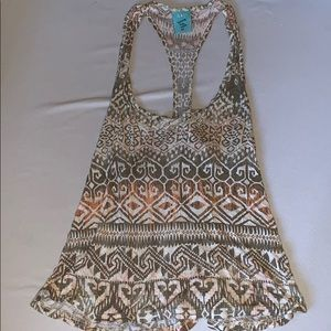 Tops - Adorable patterned tank top